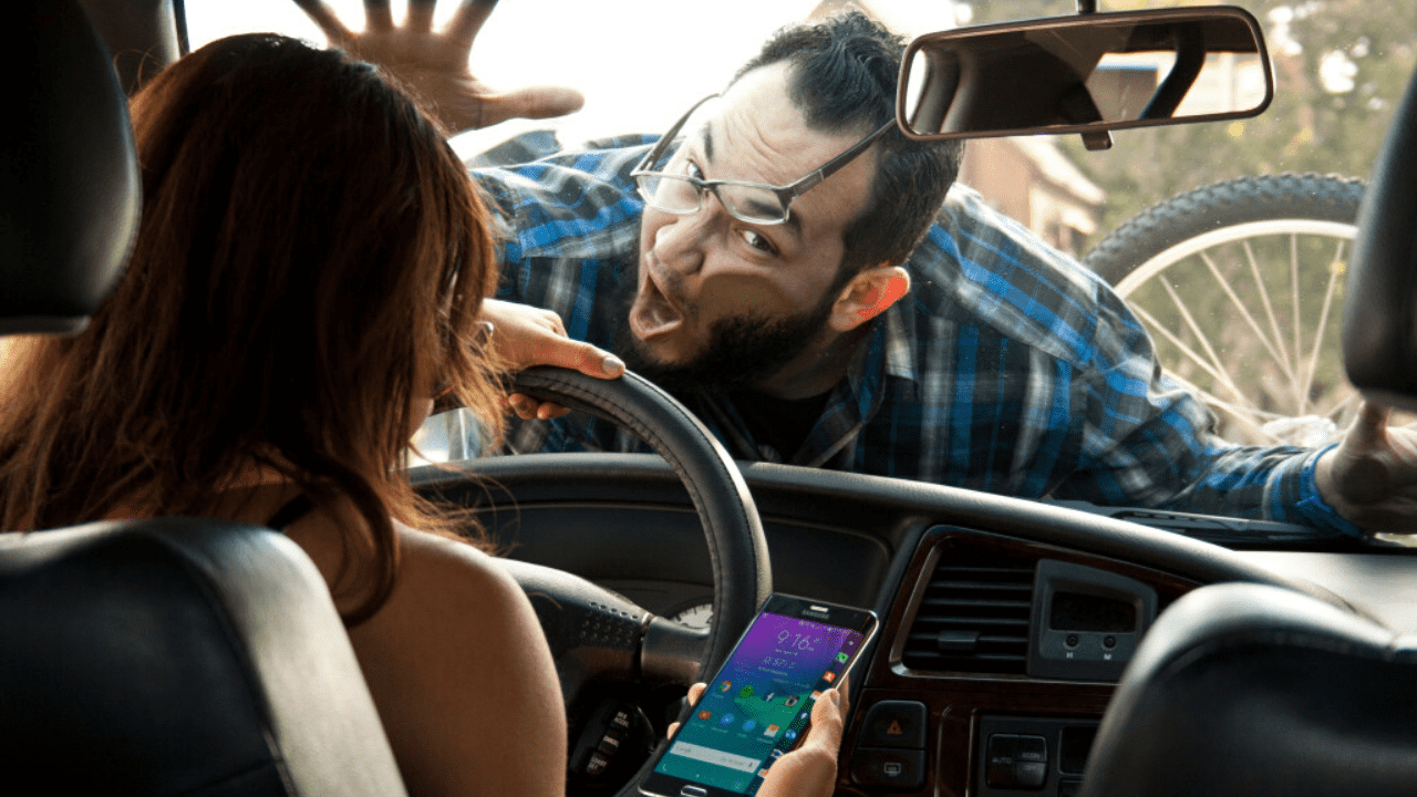 Cell Phone use While Driving Essay